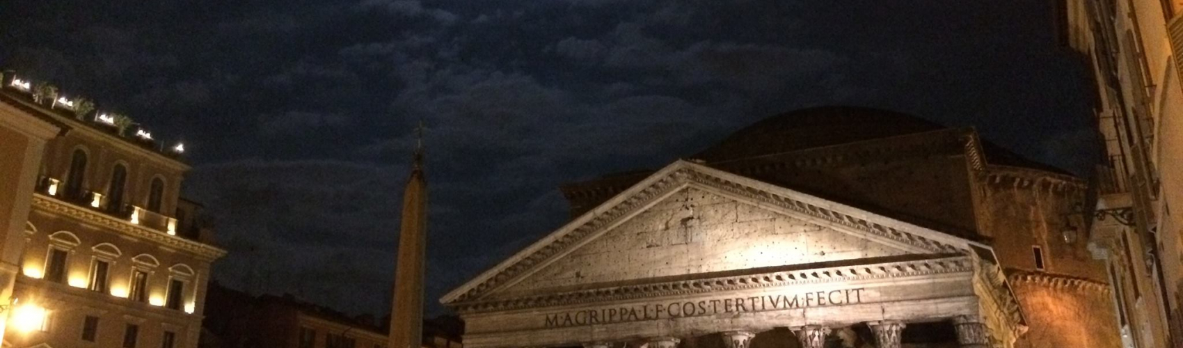 Pantheon under the light of the moon