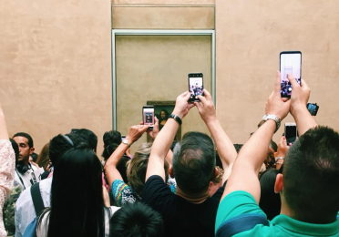 Taking Pictures of the Mona Lisa
